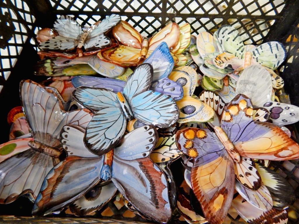 Бабочки лепные