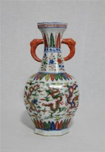 Керамика эпохи Мин