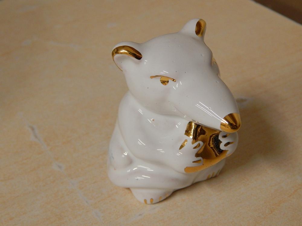 Keramika myshka suvenir