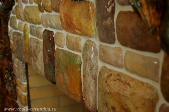 Камин бурелом камешки