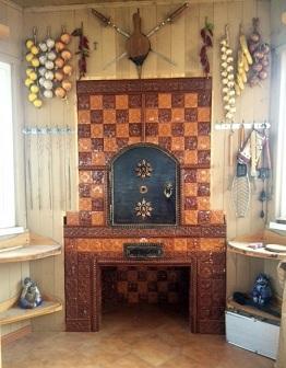Шахматная печка с Суздальскими изразцами