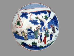 Тарелка с полихромной росписью Китай